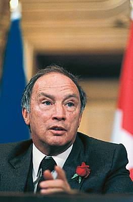 did pierre elliot trudeau's vision of Pierre elliot trudeau swept to power in 1968 on a tide of trudeaumania  pierre  trudeau was born in montreal, the son of a rich  with his forceful personality  and uncompromising vision of a bilingual, equitable society.