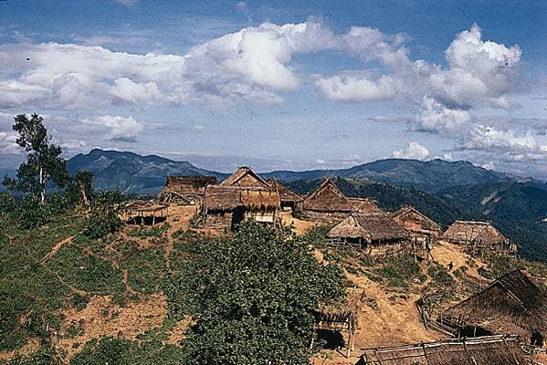 Laos, village miao