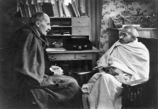 http://www.larousse.fr/encyclopedie/data/images/1310321-Romain_Rolland_et_Gandhi.jpg