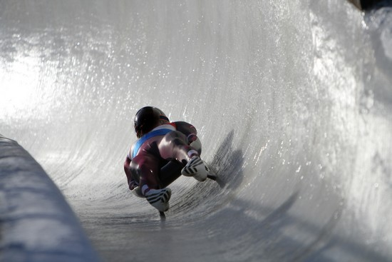 how to play luge sport