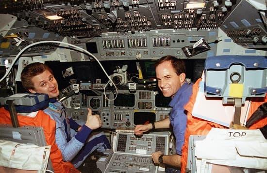 space shuttle habitable volume - photo #41