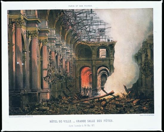 Paris et ses ruines : l'Hôtel de Ville après l'incendie de la Commune en 1871