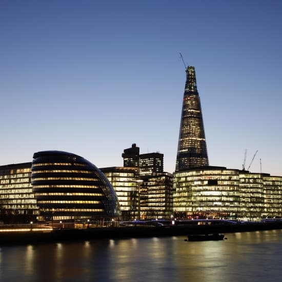 Encyclop die larousse en ligne londres en anglais london for Hotel de ville de londres architecture