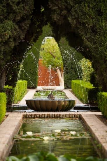 Encyclop die larousse en ligne jardin ancien fran ais for Jardin l encyclopedie