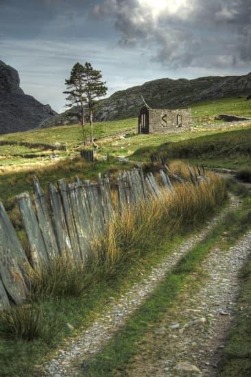 Encyclop die larousse en ligne pays de galles en anglais wales en gallois cymru - Logo pays de galles ...