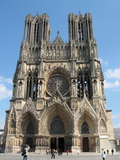 encyclopédie larousse en ligne - la cathédrale de reims