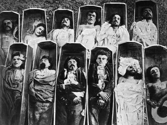 """Résultat de recherche d'images pour """"morts de la commune 1871 photos"""""""